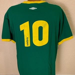 2005-06 Umbro Green/Yellow #10 Jersey T-shirt. LG